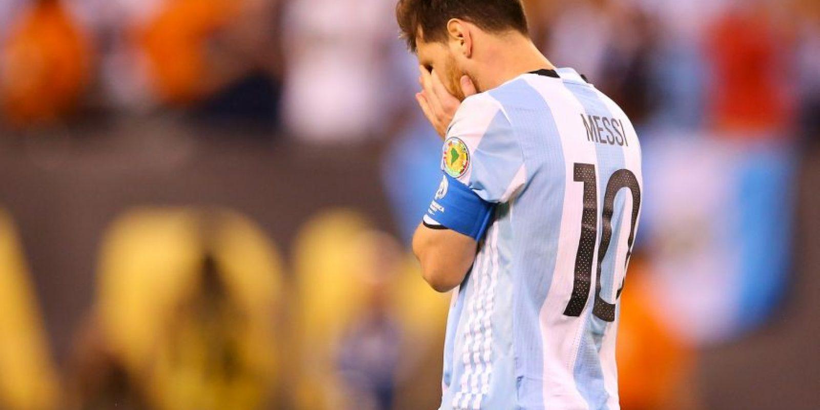 Luego de la derrota, Lionel Messi anunció su retiro de la selección argentina Foto:Getty Images