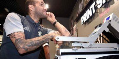 El tributo de Dani Alves a LeBron James en su llegada a Juventus
