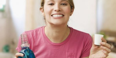 10 increíbles y diferentes usos del enjuague bucal que te encantarán