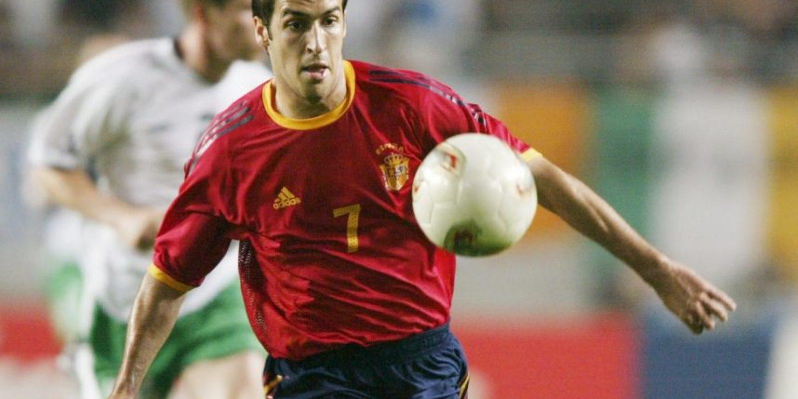 Otro de los jugadores que se cansó de ganar títulos con su club de siempre, el Real Madrid, pero que no tuvo el mismo éxito con España. Su máximo logro fueron los cuartos de final en la Eurocopa de Holanda-Bélgica 2000 y el Mundial de Corea del Sur-Japón 2002. Luego, tras su retiro en el Mundial de 2006, España conseguiría todos sus éxitos. Foto:Getty Images