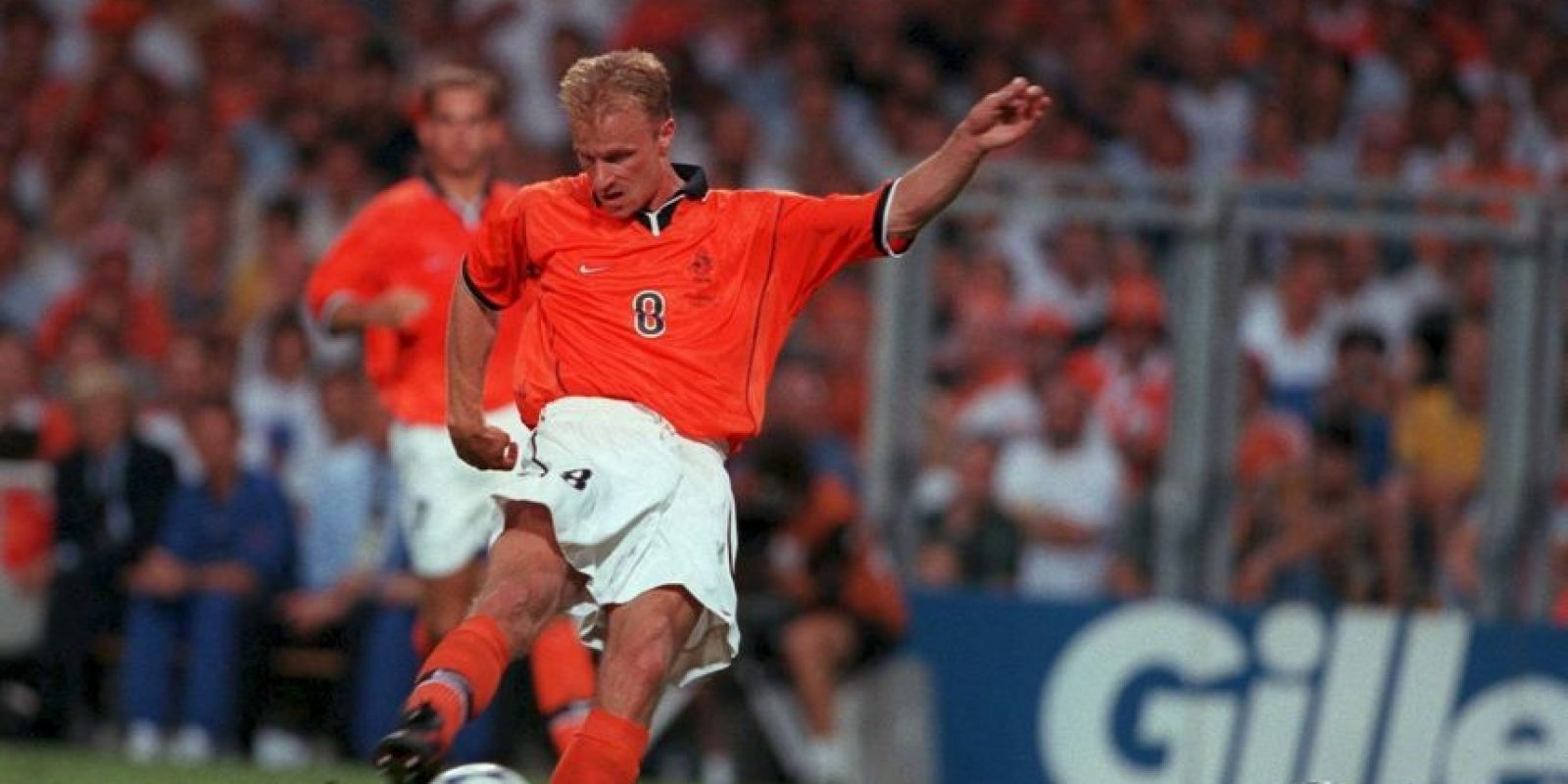 Otro de los grandes jugadores holandeses que nunca pudo ganar un título con su selección. Los éxitos que tuvo en Ajax y Arsenal no pudo reeditarlos por su selección, donde su mejor resultado fue un cuarto lugar en Francia 1998 y semifinales en la Eurocopa de 1992 y 2000 Foto:Getty Images