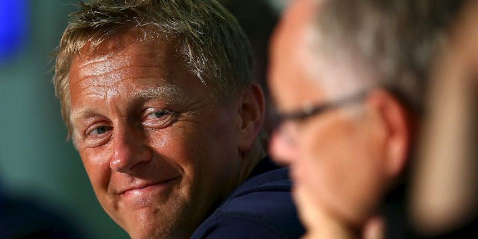 El técnico sueco es acompañado por el local Heimir Hallgrímson, quien entrena a medio tiempo y el resto del día es dentista Foto:Getty Images