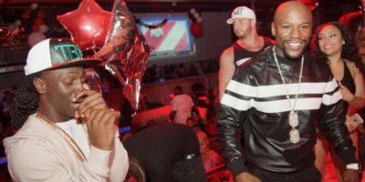 Floyd Mayweather hace insólita petición a club de striptease