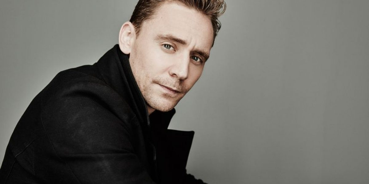 Tom Hiddleston ejercita sus músculos al máximo para ser el nuevo James Bond