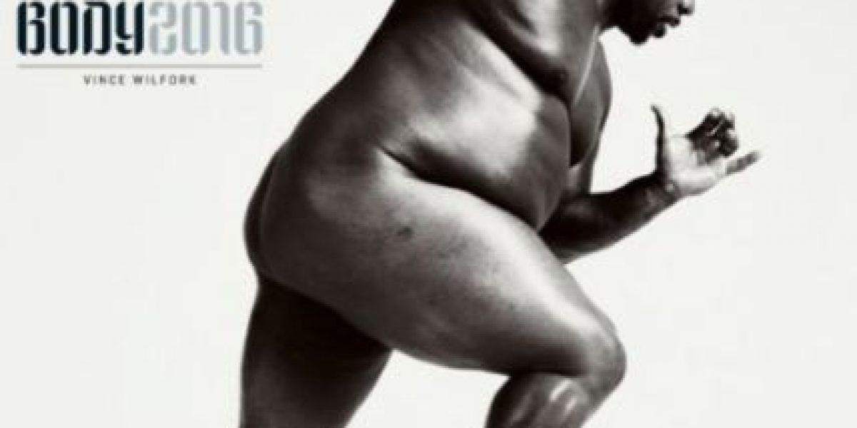 Jugador de fútbol americano posa desnudo para ESPN Body Issue