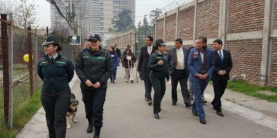 Autoridades del sector justicia observan en Chile modelos para manejo de cárceles