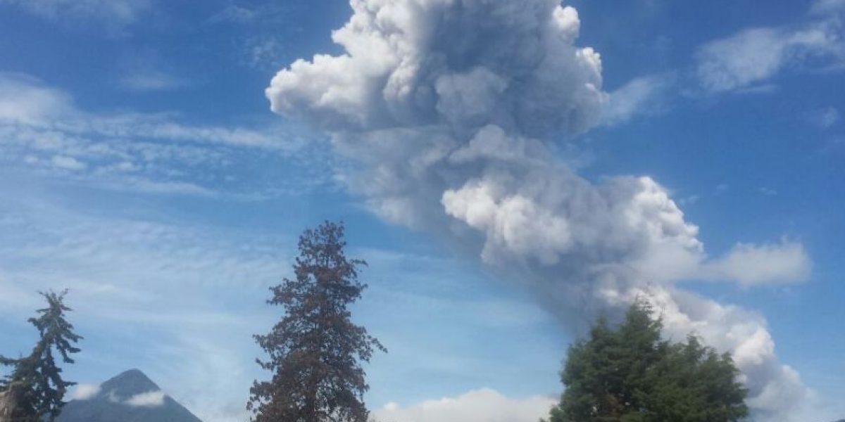 Nueva erupción en el volcán Santiaguito causa alarma