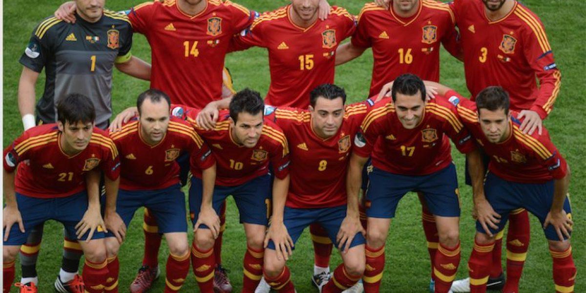 Leyenda de España devolverá el trofeo de la Eurocopa
