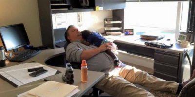 La mujer encontró a su esposo durmiendo con un bebé Foto:WTOC Don Logana