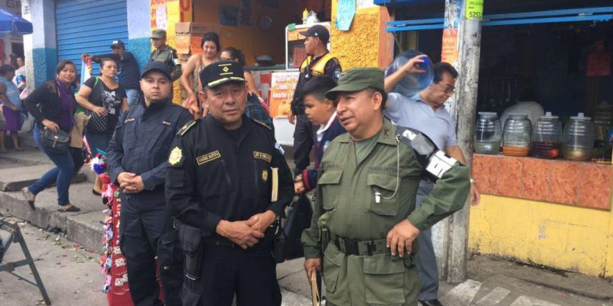 Neto Bran pide apoyo a la policía para no pagar extorsiones en un mercado