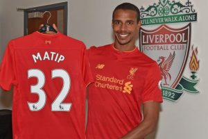 Joel Matip es la contratación que oficializó Liverpool Foto:Sitio web Liverpool