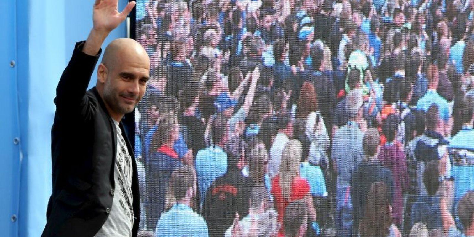 """Josep Guardiola concedió su primera entrevista como DT del Manchester City a Noel Gallagher, exvocalista de """"Oasis"""" Foto:Getty Images"""