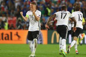 Los teutones pasaron primeros de su grupo y se enfrentaron a Eslovaquia en octavos, a quienes vencieron cómodamente por 3 a 0 Foto:Getty Images
