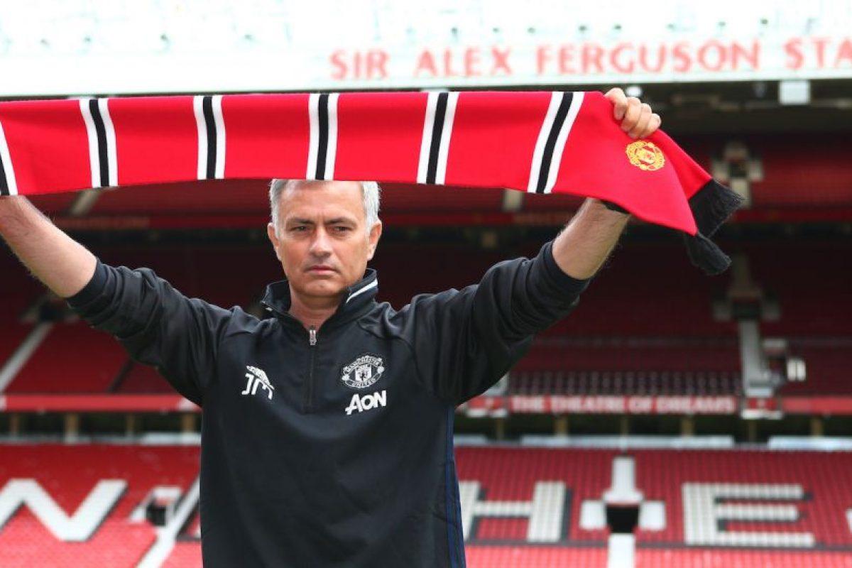 Mourinho fue presentado de manera oficial en Manchester United Foto:Getty Images