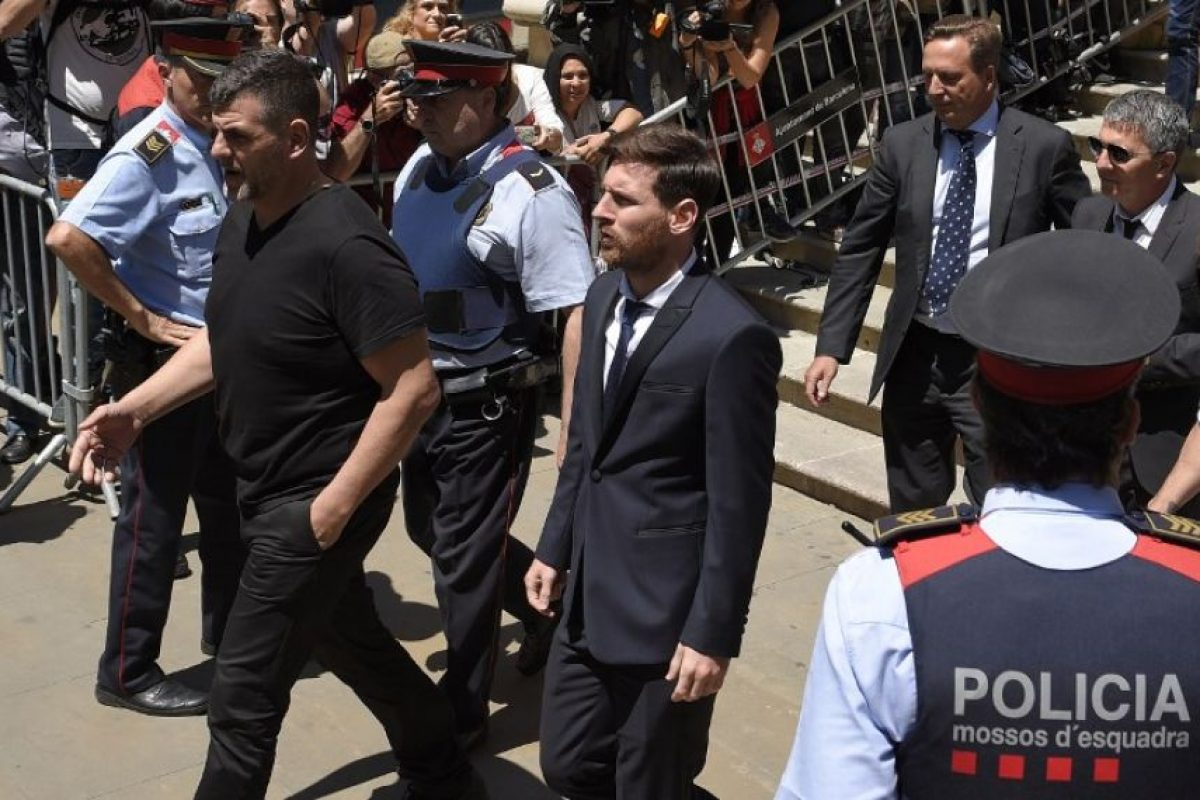 Lionel Messi fue condenado a 21 meses de cárcel por fraude fiscal Foto:AFP