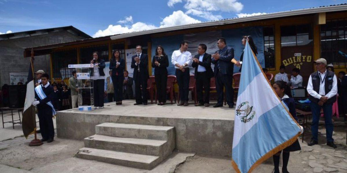 VIDEO. Alumnos de escuela en Quetzaltenango componen canción para Jimmy Morales