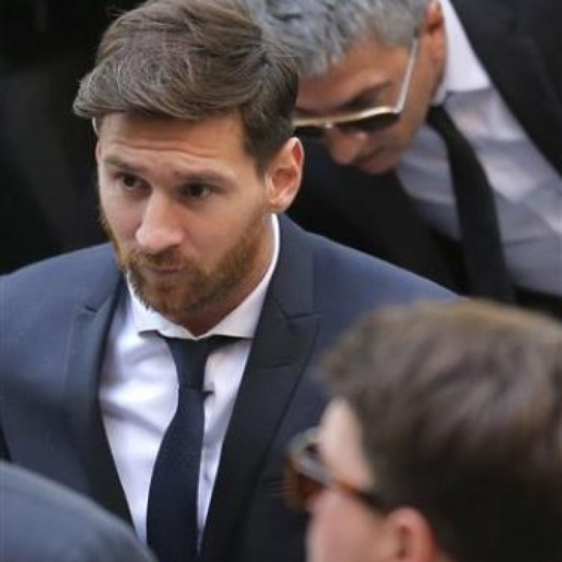 La visita de Lionel Messi a la Audiencia de Barcelona Foto:AP