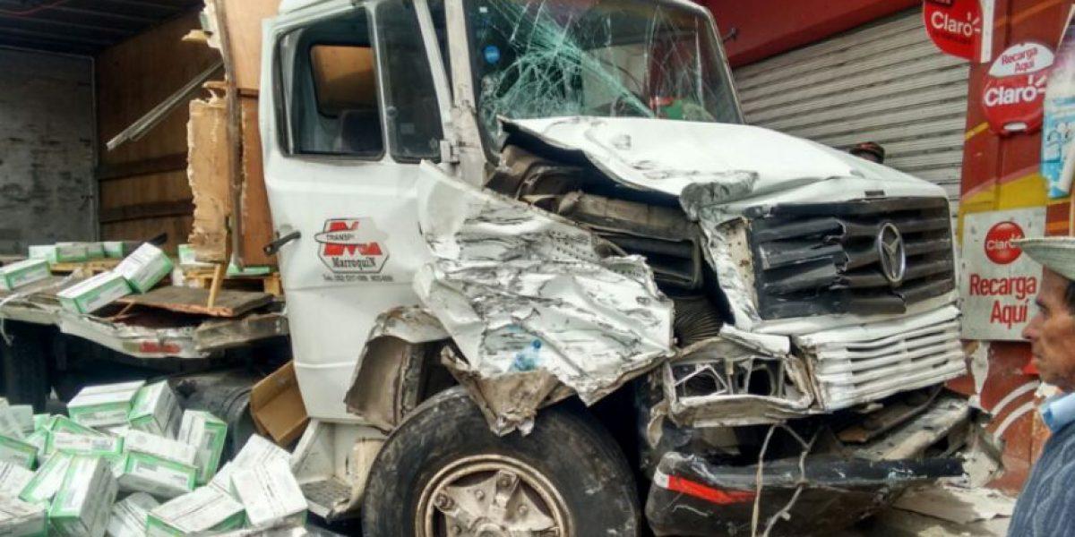 Colisión de ocho vehículos en Cuatro Caminos deja heridos y afecta el tránsito