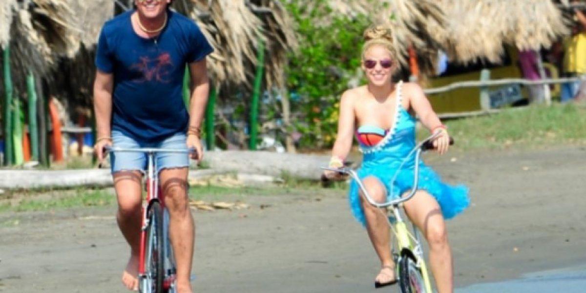 """VIDEO. Shakira y Carlos Vives viajan por Colombia con """"La Bicicleta"""""""