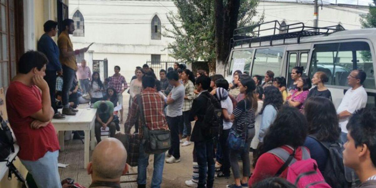 Estudiantes de la ESA continúan con toma del Paraninfo