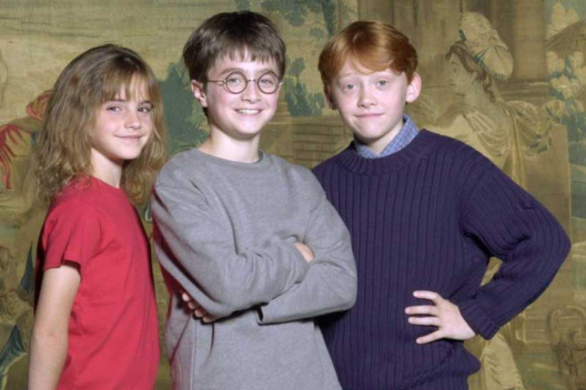 """Emma Watson, Daniel Radcliffe y Rupert Grint en el año 2000, cuando se presentó al elenco oficial de """"Harry Potter"""" Foto:Getty Images"""