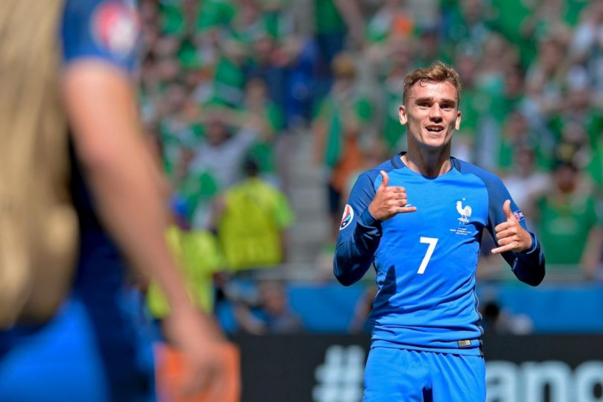 El popular baile de Antoine Griezmann es debido al video Hotline Bling, del rapero Drake Foto: Getty Images