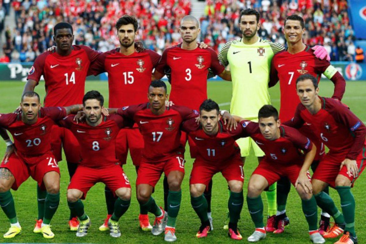 Las fotos en las que Rui Patrició lució más alto que Cristiano Ronaldo. Contra Austria Foto:Getty Images