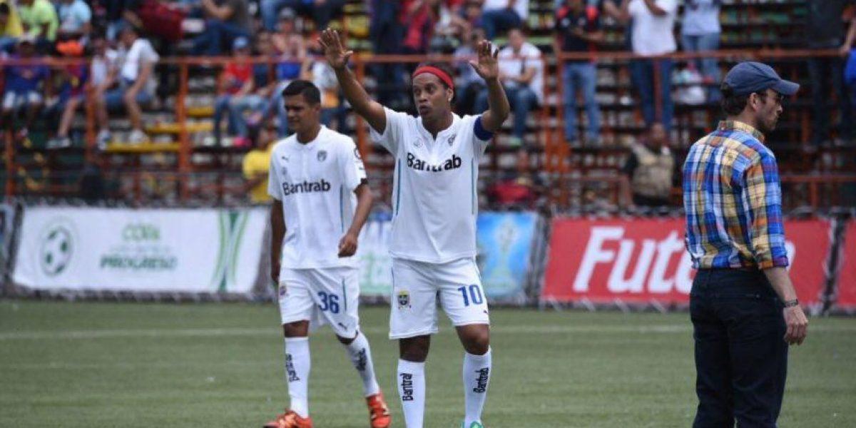 El día que la magia de Ronaldinho se vistió de rojo y crema