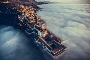 Primer lugar: Basílica de San Francisco de Asís, en Umbria, Italia. Foto:Autor: fcattuto – Dronestagram.com