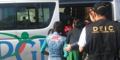 Capturan a mujeres señaladas de obligar a menores a pedir dinero
