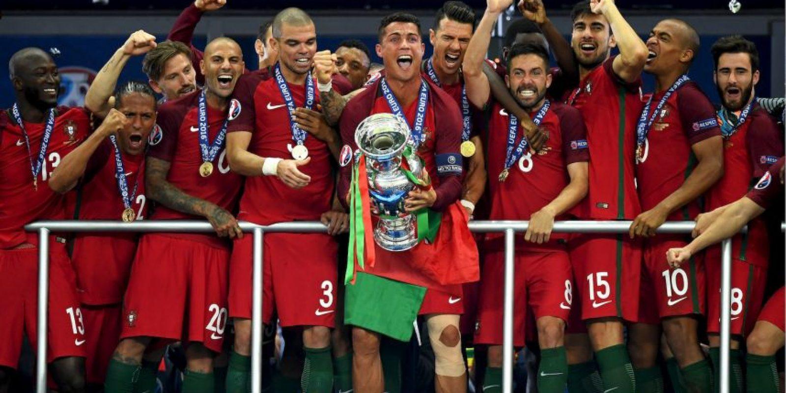 Cristiano Ronaldo se posicionó como uno de los mejores del mundo al ganar el primer título con la selección Foto:Getty Images
