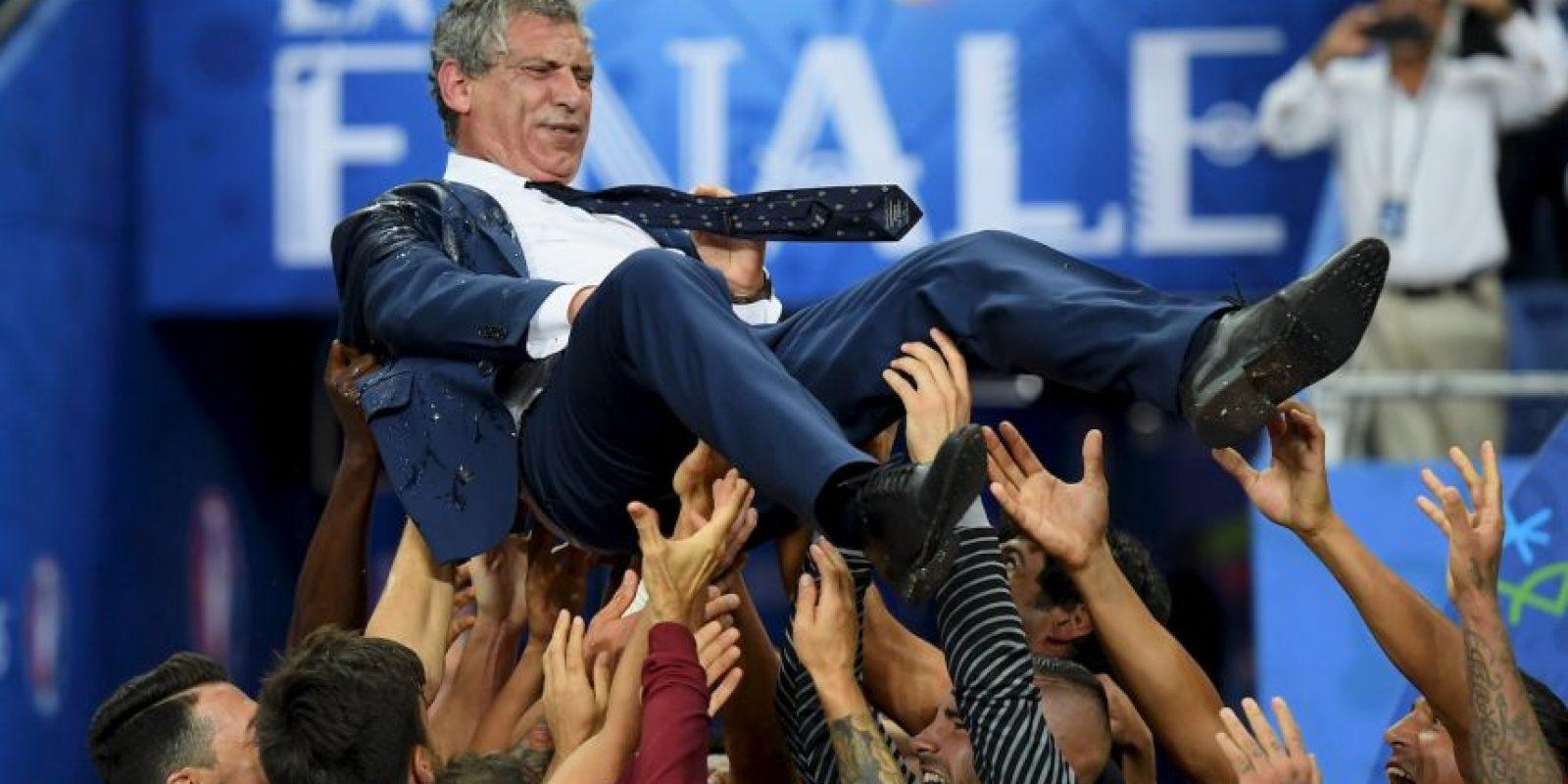 Fernando Santos lideró a los lusos al título Foto:Getty Images