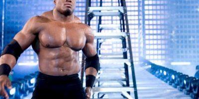 Y también entró a la jaula en TNA Foto:WWE