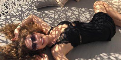 """Thalía recuerda a """"Marimar"""" en bikini a sus 44 años"""