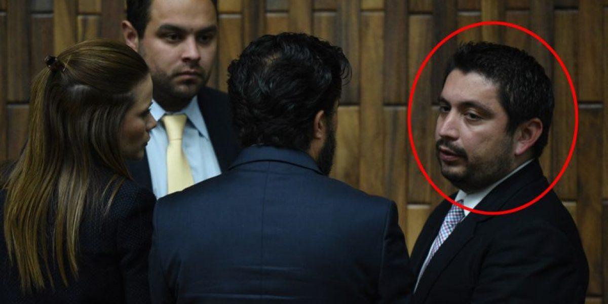¿Qué hace este hombre al lado de Daniela Beltranena si no es abogado?