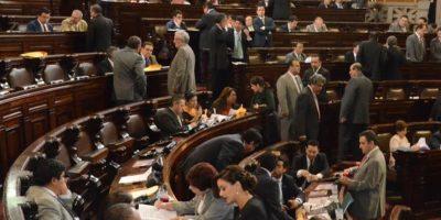 Diputados se autorizan contratar más asesores