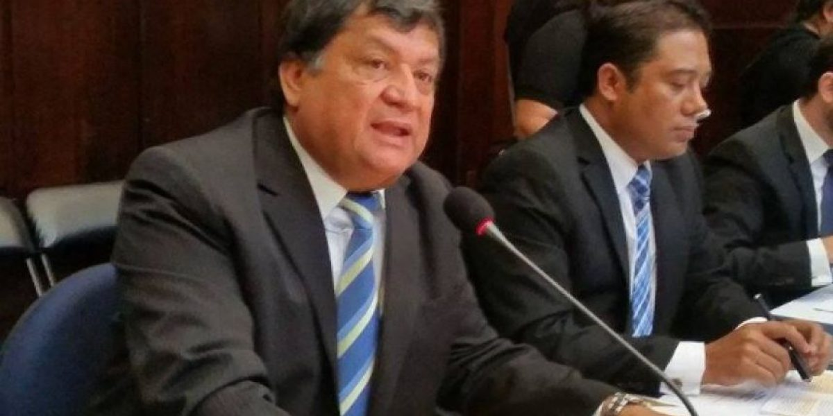Allanan vivienda del exdiputado Baudilio Hichos, investigado por caso IGSS-Chiquimula