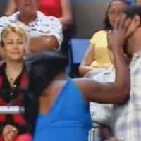 Una mujer embarazada pelea con otra. Foto:Telemundo