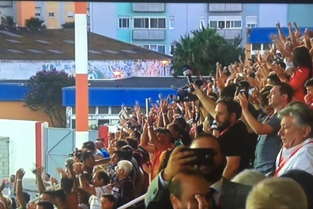 Los hinchas celebraron el histórico triunfo Foto:Captura de pantalla