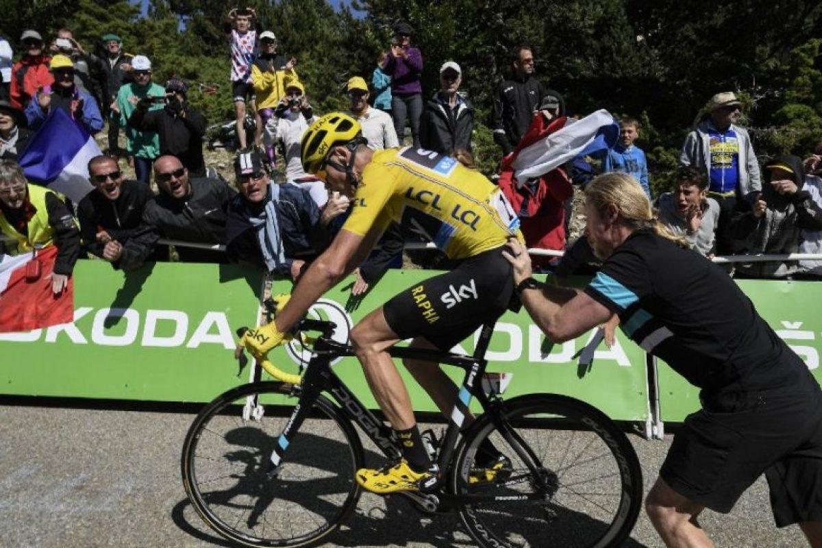 Por eso, a Froome le bonificaron el tiempo perdido Foto:AFP