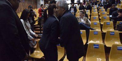 Pérez Molina vuelve a saludar con un beso a Baldetti