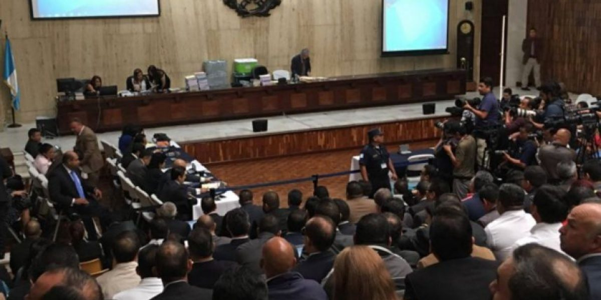 Sala rechaza amparo que buscaba dejar sin efecto orden de captura contra Alba Lorenzana