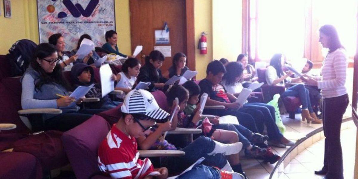 Locutores y actores enfrentados por Radio Teatro Infantil