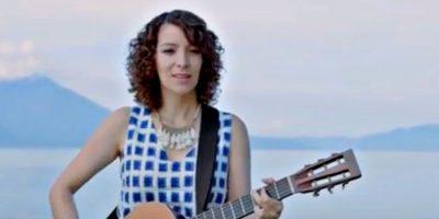 """La increíble interpretación de Gaby Moreno en la canción """"Fronteras"""" te estremecerá"""