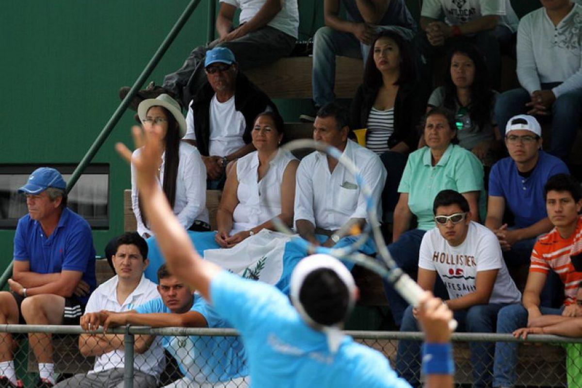 El equipo guatemalteco tuvo éxito en la serie contra los uruguayos. Foto:COG