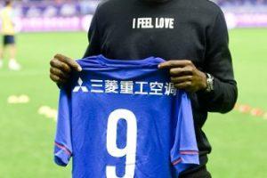 Demba Ba es un futbolista francés, de origen senegalés, que juega de delantero. Foto:Getty Images