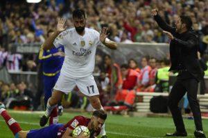 Álvaro Arbeloa: Se despidió de Real Madrid tras terminar su contrato y ahora negocia como agente libre. El campeón del mundo con España y de la Champions League con los merengues estaría cerca del Real Madrid Foto:AFP