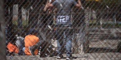 Tras  5 horas, las autoridades sin tomar el control en cárcel Pavón donde fue ultimado Byron Lima