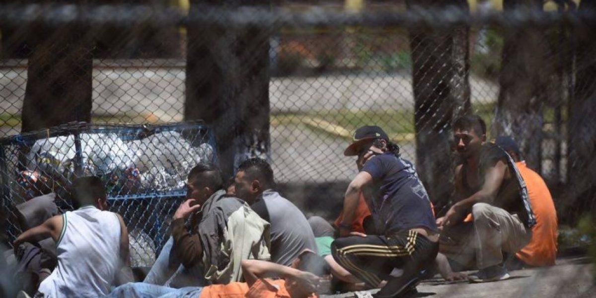 Reos relatan que guardias se esconden durante enfrentamientos en la cárcel, según PDH