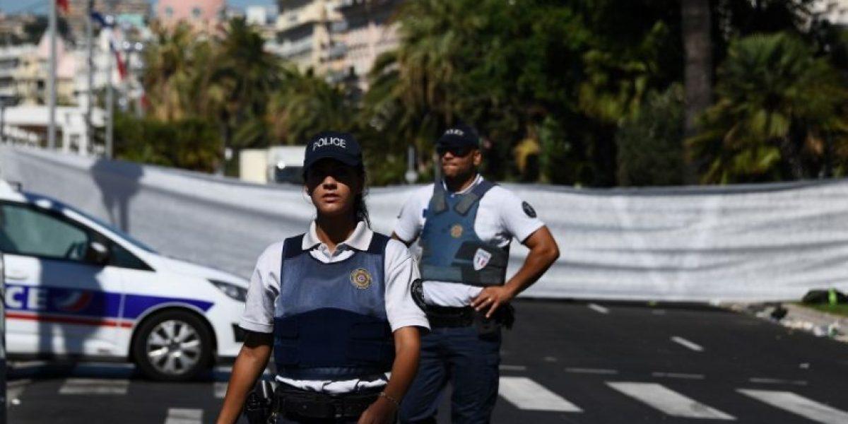 Hombre armado se atrinchera en un hotel de Niza
